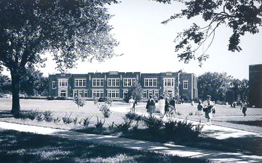 Students make their way to and from the Union and Colden Hall in the 1960s on Registration Day.