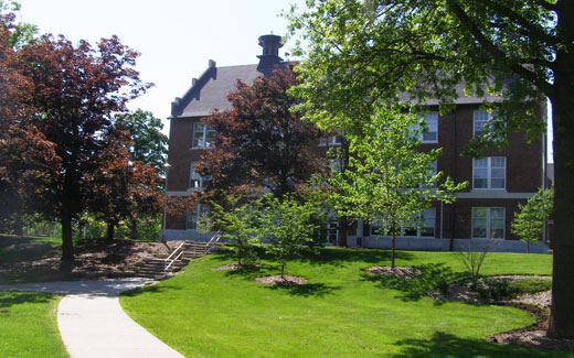 The campus design was inspired by the Forest Park design for the 1904 St. Louis World's Fair which evolved into the campus for Washington University.