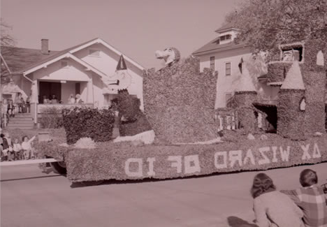 Northwest student organizations produced elaborate floats like the Wizard of ID for the 1973 归国 Parade